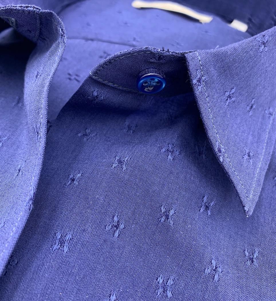 Camicia donna avvitata 4 pinces collo italiano morbido microricamo blu 100% cotone