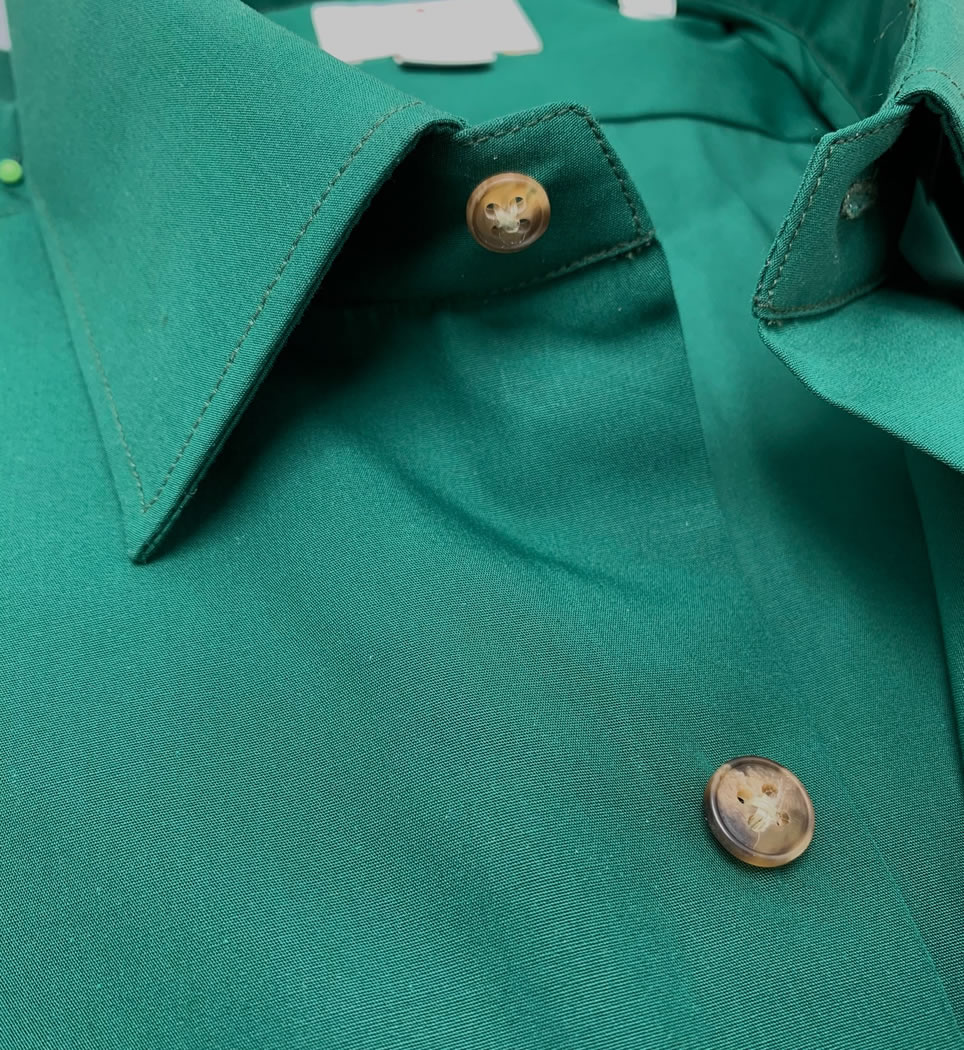 Camicia uomo slim collo italiano tinta unita verde 100% cotone